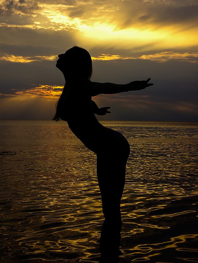 Kristin Bauer sunset oswego