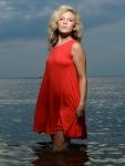 carrie-ellis-beach-portrait-mark-knopp 4