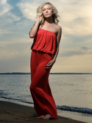 carrie-ellis-beach-portrait-mark-knopp