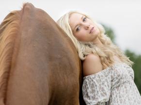 carrie-ellis-farm-portrait-virginia-beach 4