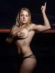 eileen-virginia-beach-sunrise-fitness-session 4