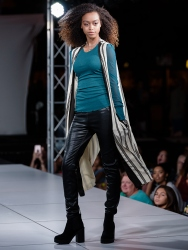 virginia-beach-town-center-fashion-show 16