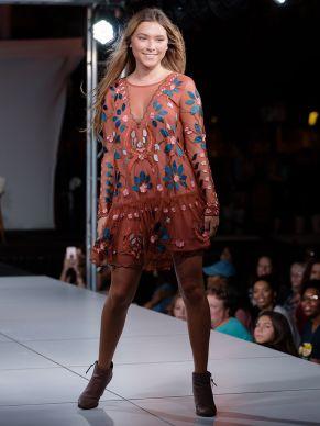 virginia-beach-town-center-fashion-show 17