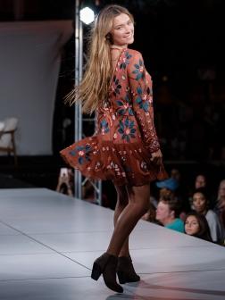 virginia-beach-town-center-fashion-show 18