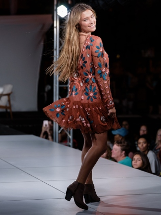 virginia-beach-town-center-fashion-show 18