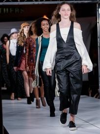 virginia-beach-town-center-fashion-show 19