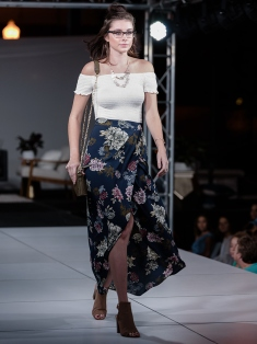 virginia-beach-town-center-fashion-show 7