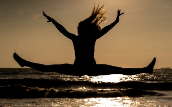 maddie-meyers-beach-sunrise-portrait 2