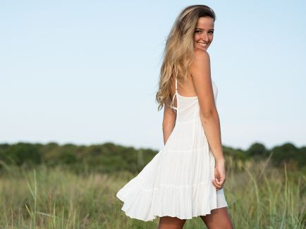 madison kirby virginia beach portrait session photo 3