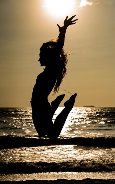 maddie-meyers-beach-sunrise-portrait 12