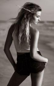 maddie-meyers-beach-sunrise-portrait 13