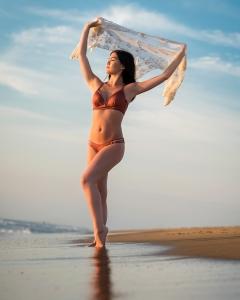 Easton's-beach-sunrise-portrait-session 6