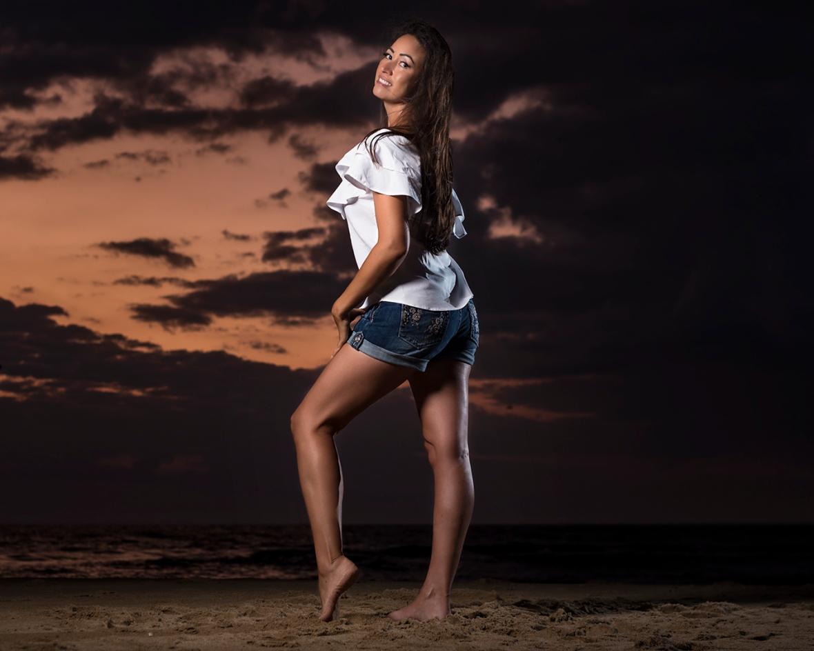 jinelle-oceanfront-sunrise-portrait-photo 2