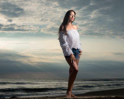 jinelle-oceanfront-sunrise-portrait-photo 9